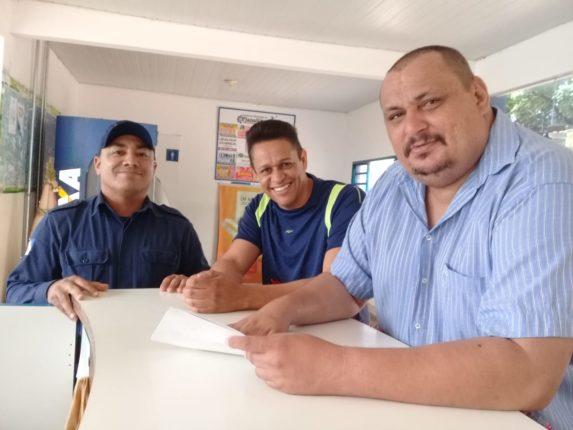 Da esquerda para a direita: Risomar, Humberto e Joãozão. O último retorna à presidência do SINDIPLAG.